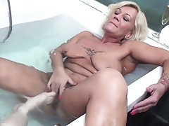Feet and pee loving old and youthfull lesbian tub nymphomaniacs